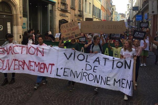 A Mâcon, la mobilisation a rassemblé plus d'une centaine de personnes