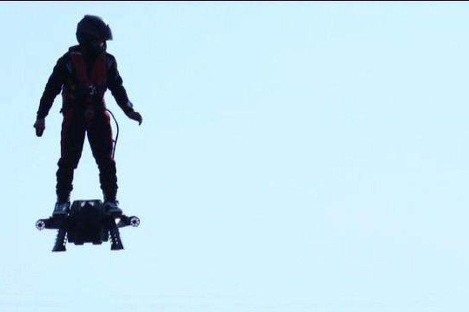 L Homme Volant A Battu Le Record Mondial De Planche Volante