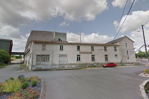 La laiterie coopérative de la Mothe-Saint-Héray a été fondée en 1897 (ici en 2013, avant son abandon).