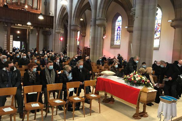 150 personnes ont pris place dans l'église d'Héricourt pour accompagner Jean-Pierre Michel et sa famille.