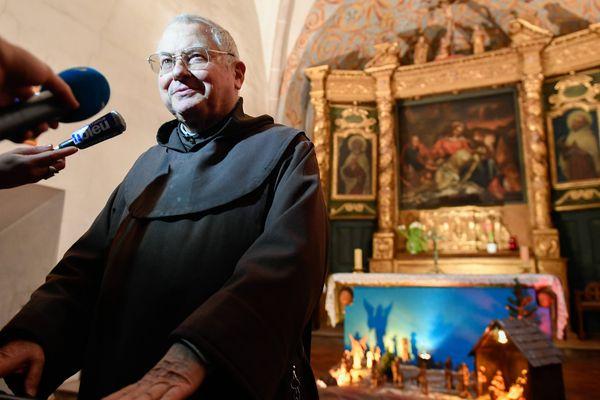 """""""A priori, je ne l'ai jamais vu, à moins qu'il ne soit venu à la messe, que je lui ai donné la communion, peut-être, je ne sais pas. Mais moi je ne l'ai jamais vu"""", a déclaré Frère Paul."""