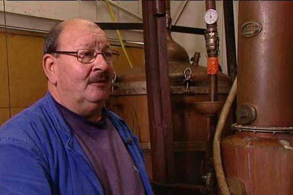 Jacky Rochereau, bouilleur ambulant à Nouzilly en Indre-et-Loire.