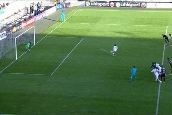 L'AJ Auxerre s'est qualifiée pour les 16es de finale de la Coupe de la Ligue grâce à un triplé de Julien Viale