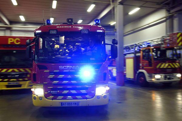 Un fourgon pompe-tonne de secours routier (FPTSR) a été mobilisé. (image d'illustration)