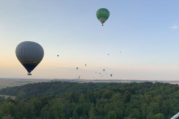 Les premiers équipages pour le premier vol de masse de ce 30 ème Mondial air ballons
