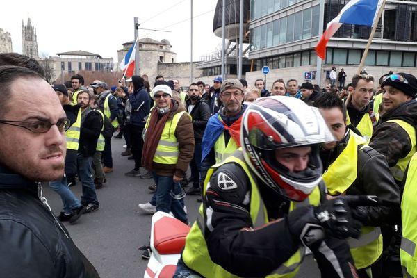 Les Gilets jaunes devant le tribunal de grande Instance de Bordeaux