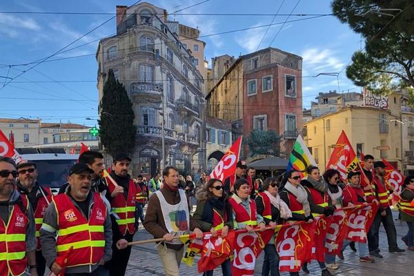A Montpellier, la manifestation contre la réforme des retraites est partie à 14h30 des Halles Laissac. Dans le cortège : plusieurs syndicats dont la CFDT, la CGT, Solidaires, SUD et FO, SNES FSU.