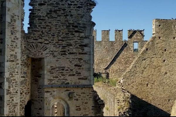 Les ruines du Château de Châlucet-Ligoure