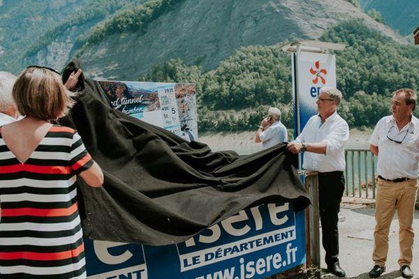 Le Président du Département de l'Isère Jean-Pierre Barbier, en présence de Bernard Perazio, a présenté les perspectives d'avenir de la route de secours