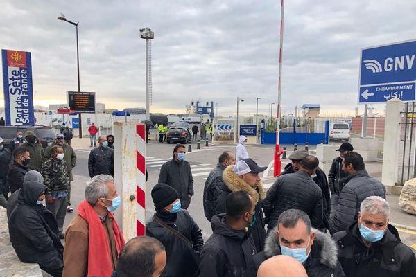 Ce lundi 19 octobre 2020, au moins 200 personnes étaient encore bloquées sur le port de Sète dans l'Hérault.
