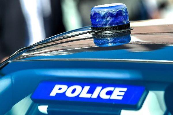 Une bagarre a éclaté dans la nuit de samedi à dimanche à Corbeil-Essonnes, faisant un blessé gravé. Une trentaine de personnes sont suspectées. (illustration)