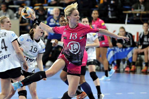 Manon Houette a marqué sept buts lors de la rencontre FLHB/Baia Mare
