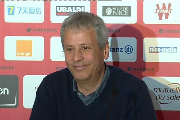 Lucien Favre, entraîneur de l'OGC Nice, pendant le traditionnelle conférence de presse d'avant match.