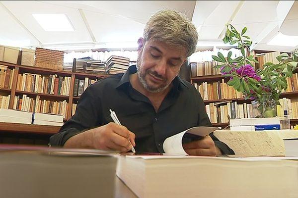 Thierry Vimal a mis trois ans a coucher sur le papier son deuil et sa reconstruction.
