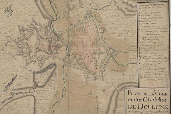 La structure en étoile de la citadelle de Doullens préfigure les constructions de Vauban.