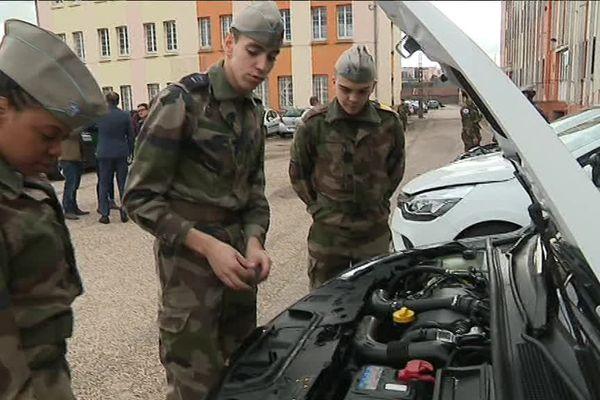 Les jeunes du service militaire volontaire