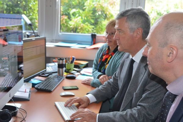 Le préfet d'Ille-et-Vilaine à répondu durant une heure aux questions des automobilistes sur Facebook