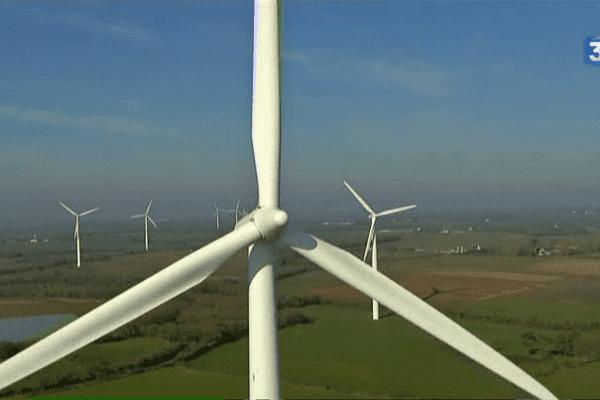 Champ éolien de Plouvien (29)