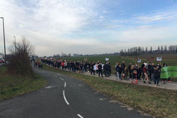 Les habitants d'Herlies se sont mobilisés ce samedi matin contre la zone industrielle qui devrait se développer dans leur ville.
