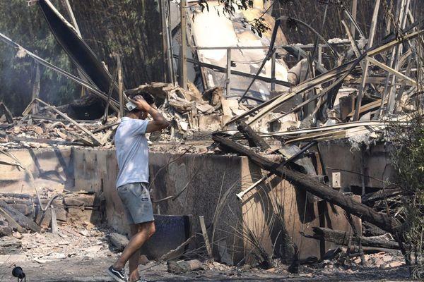 Le 17 aout 2021: un camping et un ranch détruits par les flammes à Grimaud, plusieurs autres habitations ont été touchées par l'incendie.