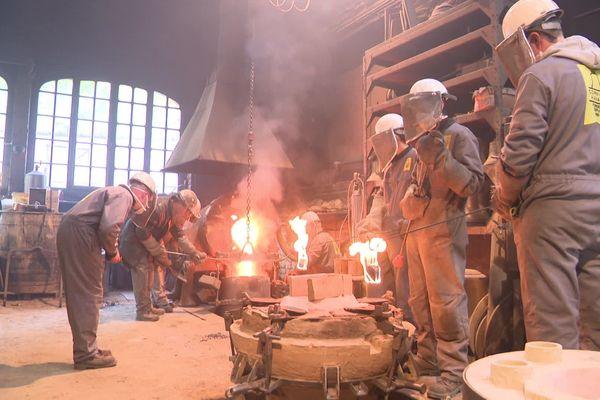 opérations de fonderie en cours