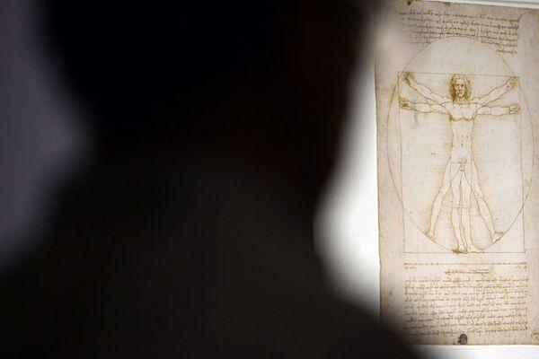 L'Homme de Vitruve, oeuvre emblématique de Léonard de Vinci, sera bien prêtée au Louvre.