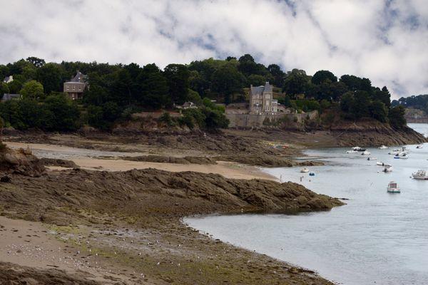 La plage de Dinard concernée par un arrêté imposant le port du masque