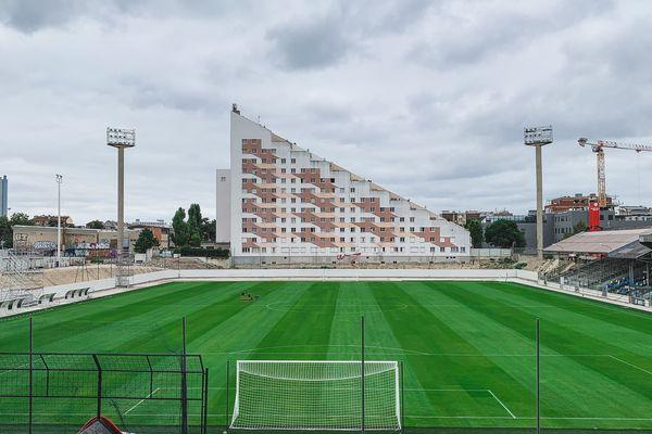 Le Stade Bauer arborera dès ce lundi une nouvelle pelouse naturelle