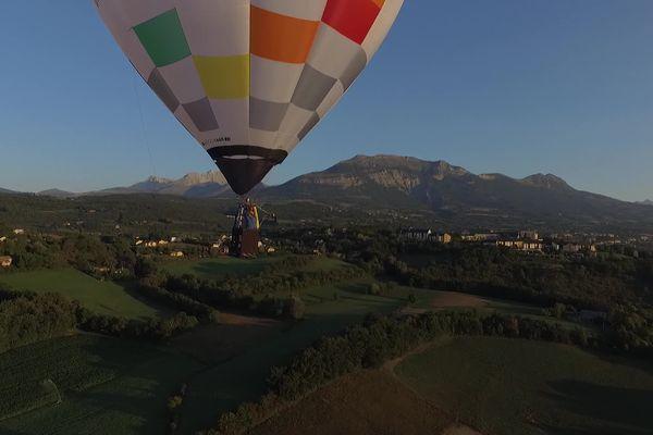 La montgolfière de Léandro Corradini a pris son envol dans le ciel de Tallard.