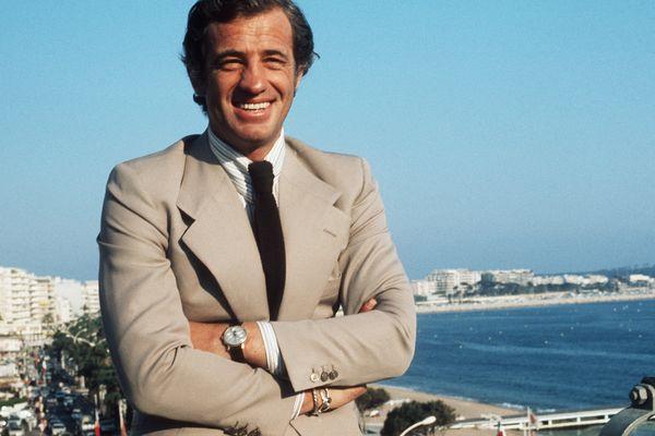 """Jean-Paul Belmondo en 1974 à Cannes. """"STAVISKY"""" réalisé par Alain RESNAIS y était alors en compétition."""