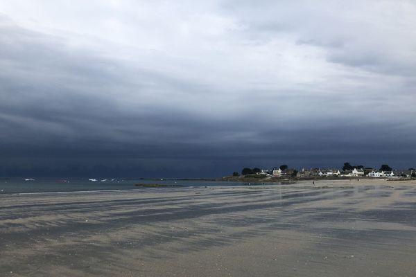 Quelques minutes avant l'orage, sur la grande plage de Gâvres, dans le Morbihan