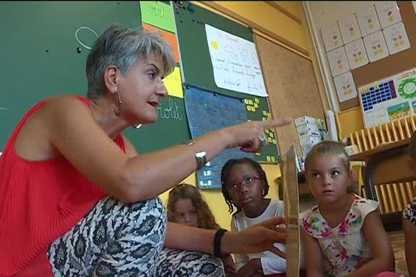 A Menton, ce sont les enseignants bilingues qui assurent les cours en italien dans différentes matières.