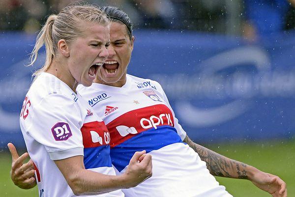 Ada Hegerberg et Dzsenifer Marozsán, victorieuses à Montpellier avec l'Olympique Lyonnais féminin le 30 septembre 2017