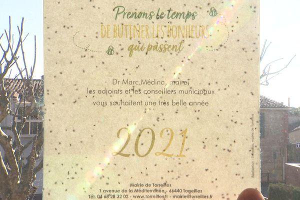 """Des vœux """" à planter"""" en papier recyclé enrichi de graines de fleurs pour les habitants de Torreilles."""