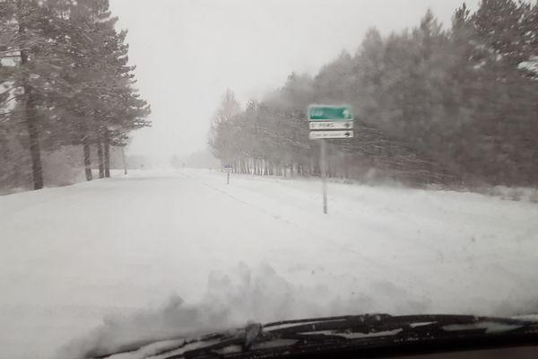 La neige est très abondante en direction de Gap