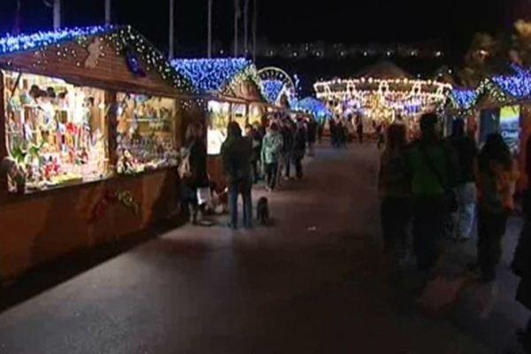 Les animations de Noël se succèdent à Cannes. De République à La Bocca en passant par le centre-ville, quelques idées : • Noël féérique à Prado-République, jusqu'au 15 décembre. • Noël magique à La Bocca, du 18 au 27 décembre. • Village de Noël, jusqu'au 6 janvier. • Fête foraine sur l'esplanade Pantiero, jusqu'au 6 janvier de 14h à 22h. Plus d'infos sur : http://bit.ly/UR3YWK