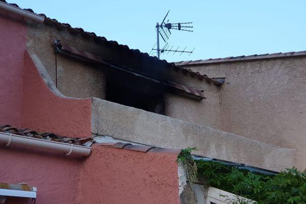 Les traces de l'incendie qui s'est déclaré au premier étage.