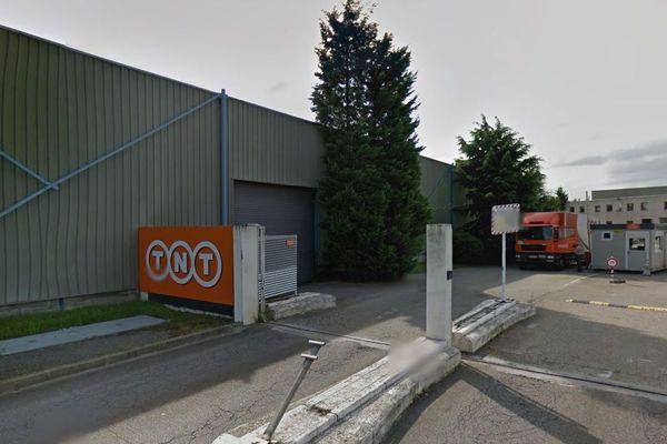 Entrepôt TNT de Pierre Bénite dans le Rhône