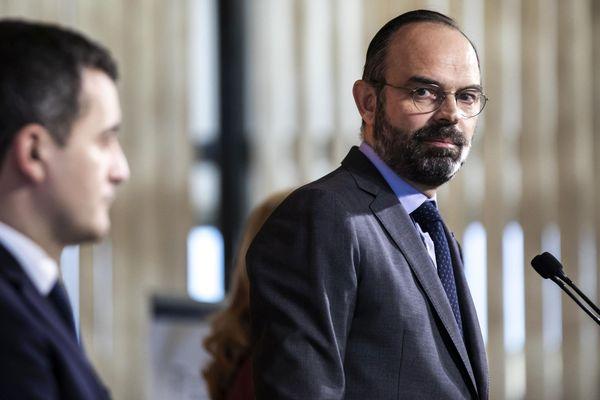 Gérald Darmanin et Edouard Philippe, le 17 février 2020 à Paris.