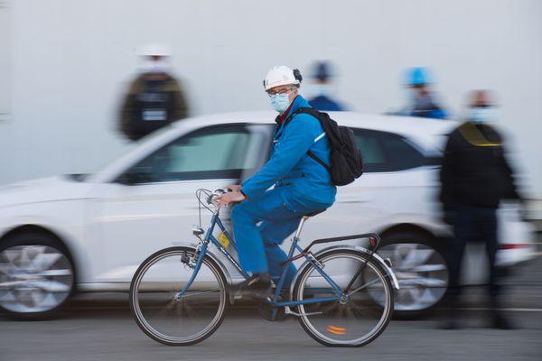 Le masque pas obligatoire partout à vélo