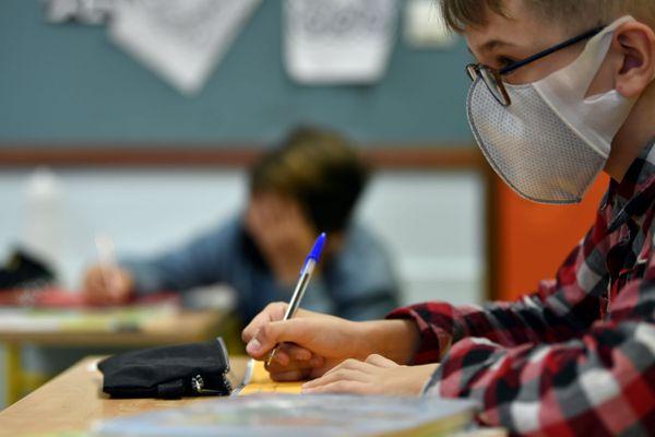 Le masque est obligatoire à partir du collège pour les élèves qui font leur rentrée. Photo d'illustration