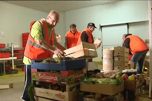Les bénévoles de la banque alimentaire du Morbihan se relaient tout l ete
