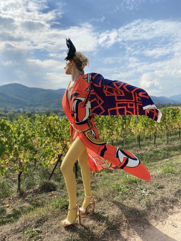 La mannequin Alexia Canova dans les vignes alsaciennes.
