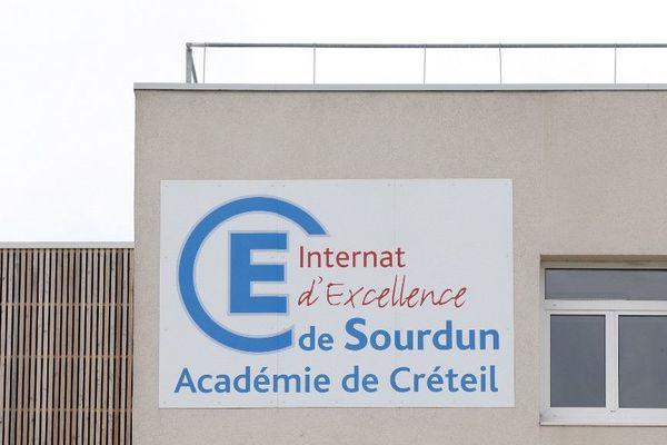 L'Internat d'excellence de Sourdun situé à Provins en Seine-et-Marne accueillera des jeunes engagé dans le Service Nationale Unviersel.