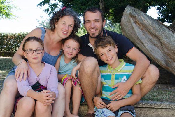 Emmanuel, Soizick et leurs enfants, prêts à décoller pour un tour du monde