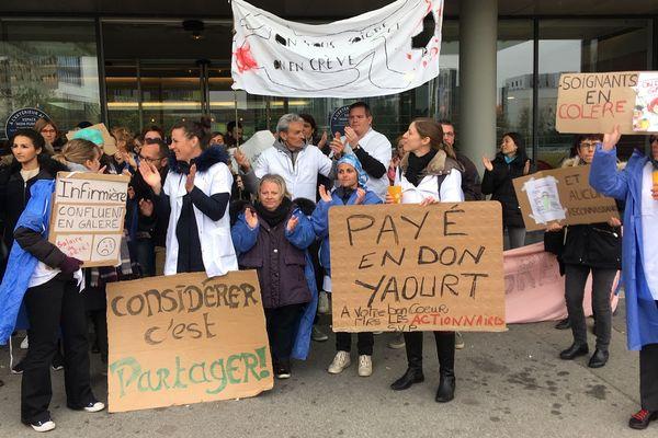 Les salariés de l'hôpital privé Confluence en grève ont demandé la médiation de la Direcct - le 10 avril 2019