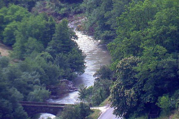 Saint-André-de-Majencoules (Gard) - la rivière gonflée par les fortes pluies - 13 juin 2020.