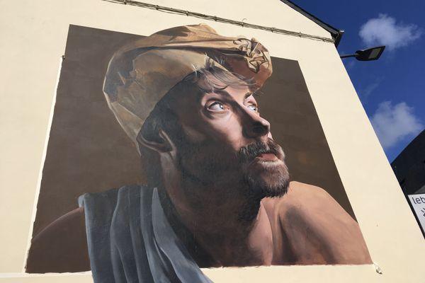 Le festival Just do paint a livré sa moisson d'oeuvres sur les façades de Saint-Brieuc. Ici, la fresque de Piet Rodriguez, artiste graffeur de Belgique 27 sept 2020