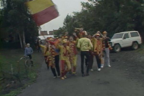 Découvrez la déambulation des supporters Sangs et Or à Gand avant un match de coupe d'Europe de 1983