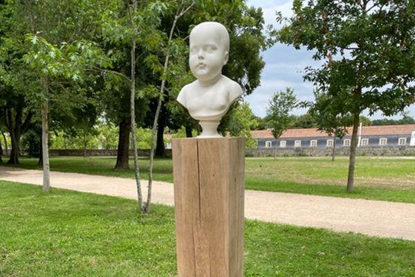 Buste de l'Aiglon, fils de Napoléon 1er - Offert à Rochefort par le Souvenir Napoléonien et officiellement installé dans le Jardin de la Marine.